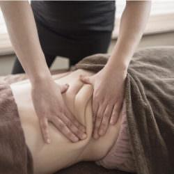 Щипковый массаж живота поможет «разбить» старые жиры