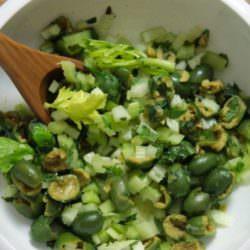 Салат из сельдерея с разными заправками