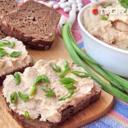 Идея для завтрака или перекуса: паштет из фасоли