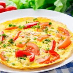 Омлет с грибами и перцем – идея для завтрака!