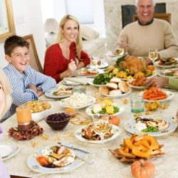 10 золотых правил питания в праздники